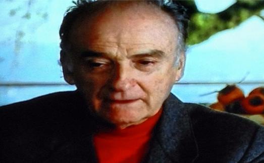 Andrea Zanzotto, i cachi, il paesaggio. Still dal video Ritratti, di Carlo Mazzacurati e Marco Paolini, 2000.